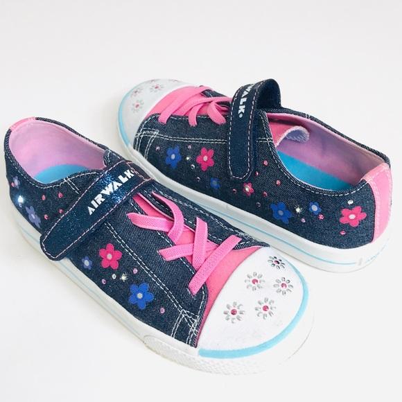 Airwalk Shoes   Girls Lightup Sneakers
